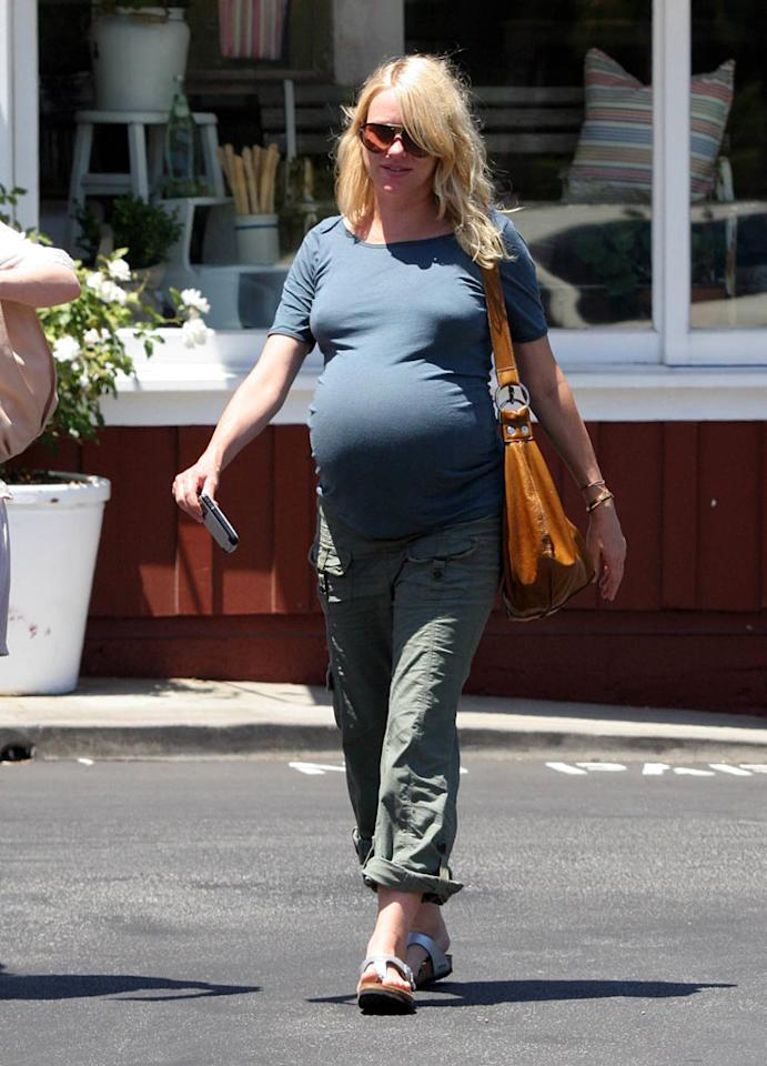 "After being pregnant for what seemed like an eternity, Naomi Watts finally gave birth to a boy on Wednesday afternoon. Congrats to Naomi and boyfriend Liev Schreiber! LG/<a href=""http://www.x17online.com"" target=""new"">X17 Online</a> - July 19, 2007"