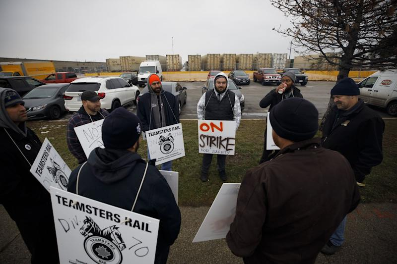 Trudeau Faces Pressure to End Rail Strike as Impact Spreads