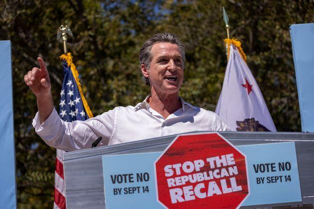 Gov. Gavin Newsom addresses an anti-recall rally on Sept. 4 as he campaigns with Sen. Elizabeth Warren (D-Mass.) in Culver City, California. (Photo: David McNew/Getty Images)