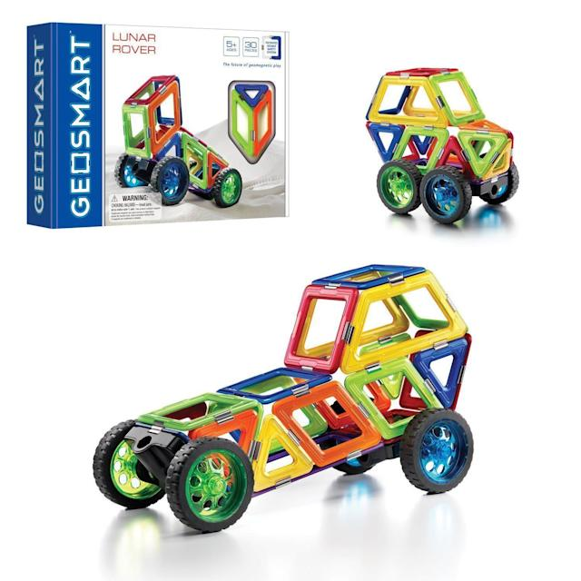 GeoSmart's <span>STEM-focused magnetic construction</span> allows kids to learn with GeoMagnetic play.