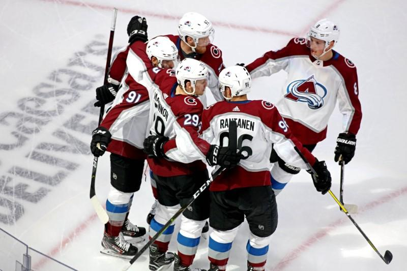 NHL roundup: Avs swamp Coyotes for 3-1 series lead