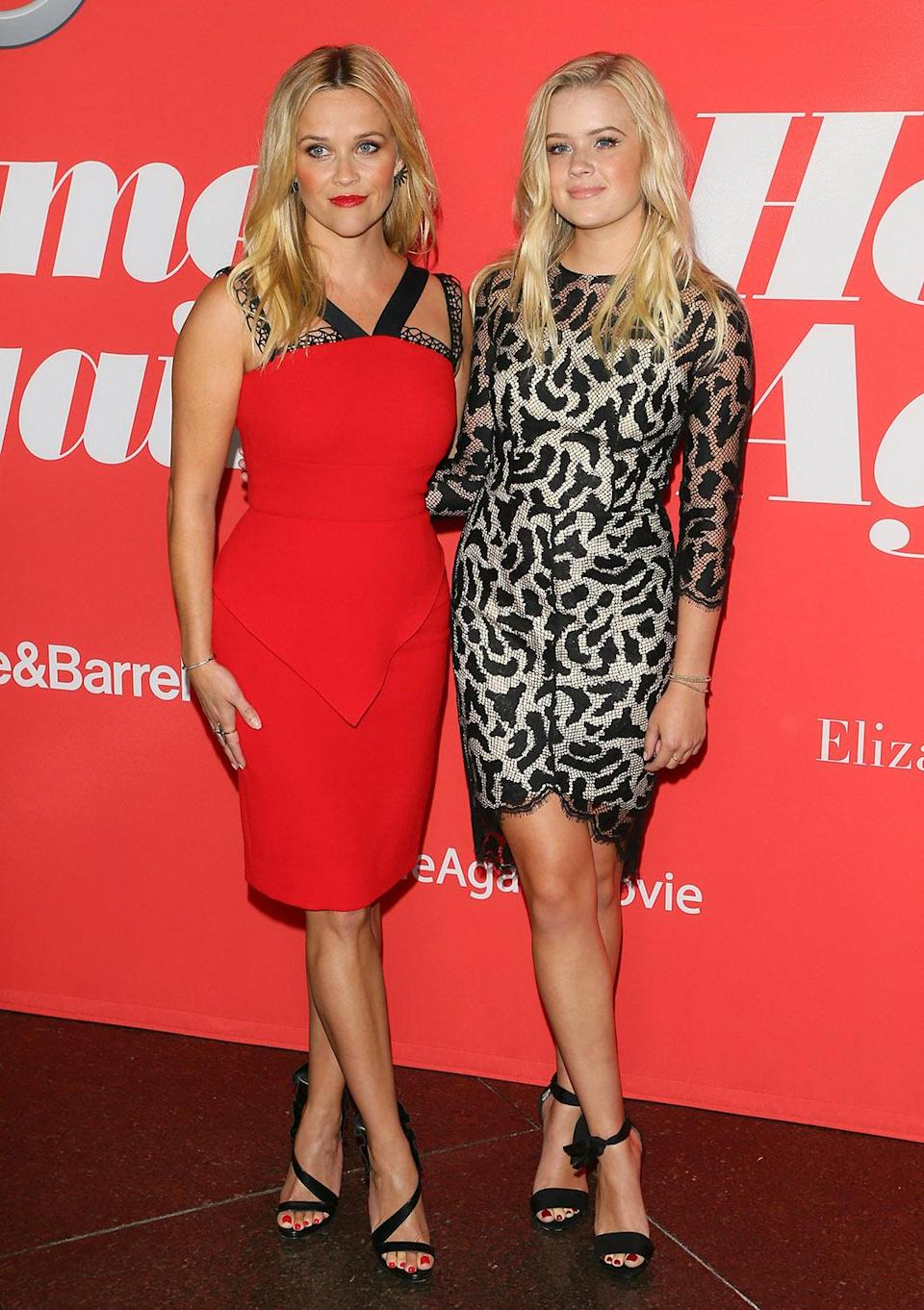 <p>Reese brought along her look-a-like daughter Ava for the Los Angeles premiere on Aug. 29, 2017.<br> (Photo: Getty Images) </p>