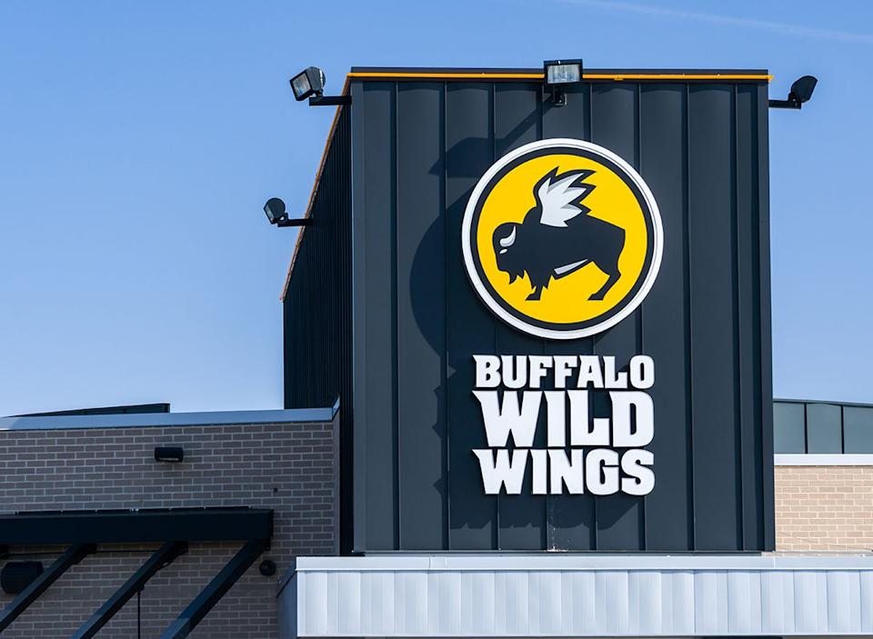 Buffalo wild wings restaurant sign
