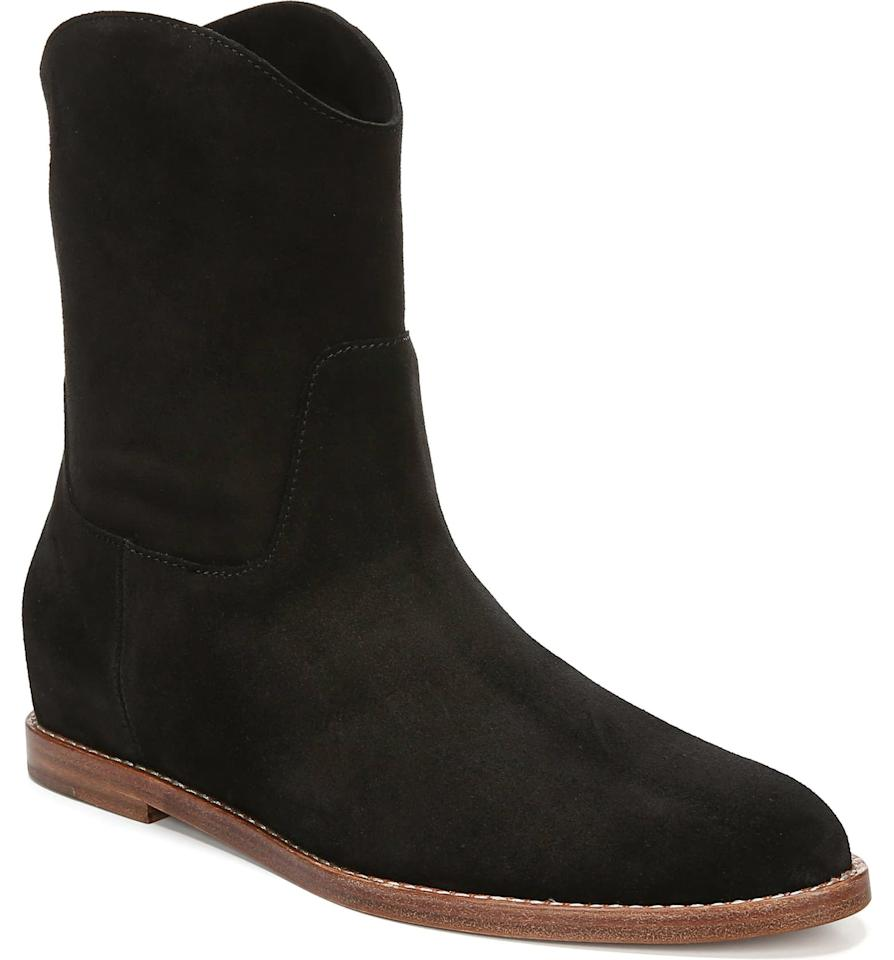 "<p>Here's why we like these <a href=""https://www.popsugar.com/buy/Vince-Sinclair-Cowboy-Boots-534523?p_name=Vince%20Sinclair%20Cowboy%20Boots&retailer=shop.nordstrom.com&pid=534523&price=375&evar1=fab%3Auk&evar9=45625855&evar98=https%3A%2F%2Fwww.popsugar.com%2Ffashion%2Fphoto-gallery%2F45625855%2Fimage%2F47133201%2FVince-Sinclair-Cowboy-Boots&list1=shopping%2Cfall%20fashion%2Cshoes%2Cfall%2Cwinter%2Cwinter%20fashion%2Cfashion%20shopping&prop13=api&pdata=1"" rel=""nofollow"" data-shoppable-link=""1"" target=""_blank"" class=""ga-track"" data-ga-category=""Related"" data-ga-label=""https://shop.nordstrom.com/s/vince-sinclair-cowboy-boot-women/5372134/full?origin=keywordsearch-personalizedsort&amp;breadcrumb=Home%2FAll%20Results&amp;color=olive"" data-ga-action=""In-Line Links"">Vince Sinclair Cowboy Boots</a> ($375). They clearly have a Western-inspired look, but they're versatile enough that they can be worn with anything.</p>"