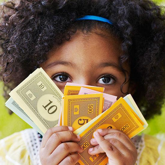 10 Money Lessons to Teach Your Kids Before They Turn 10