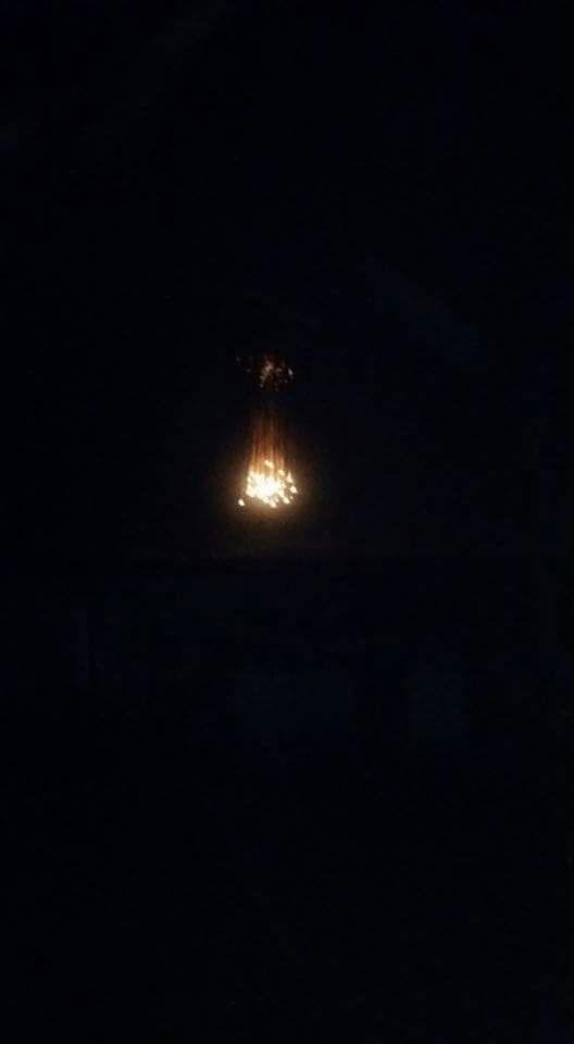 An image appearing to show the distinctive white trails of airborne incendiary munitions (Ali Hammadeh)