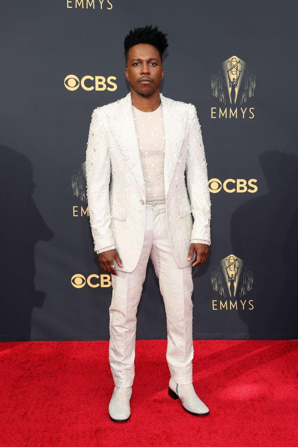<p>Bold and bright with sparkle to spare, Leslie Odom Jr.'s look isn't for the faint of heart, but he carries it off with ease.</p><p><em>In Dolce & Gabbana</em></p>