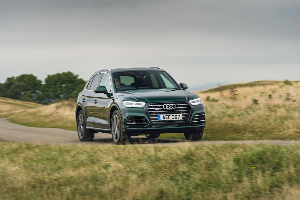 A huge front grille dominates the front of the Q5
