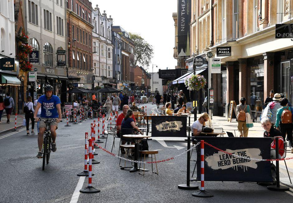 General view of a road that has been pedestrianised to encourage social distancing and outdoor dining in the city centre, amidst the coronavirus disease (COVID-19) pandemic, in Oxford, Britain, September 17, 2020. REUTERS/Toby Melville
