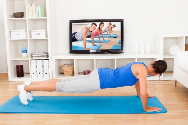 7 exercises for 7 minutes the workout you can do in your for Living room exercises