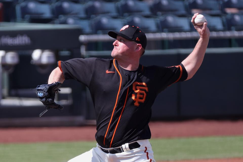 Jake McGee #17 of the San Francisco Giants