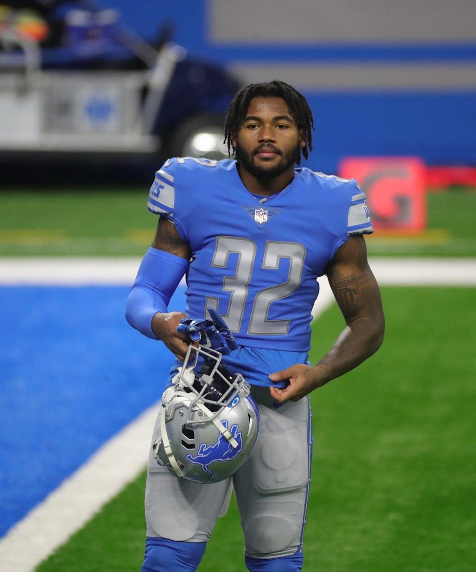 Lions running back D'Andre Swift on the field before the game against the Minnesota Vikings at Ford Field on Sunday, Jan. 3, 2021.