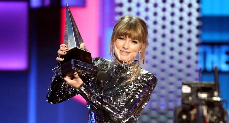 Taylor Swift 3 AMAs away from breaking Whitney Houston's record