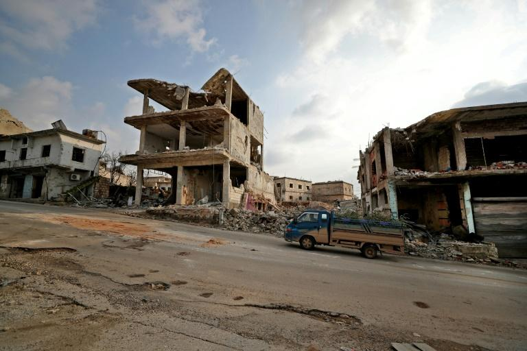 Syria rebels sign up to fight for Azeris to feed families