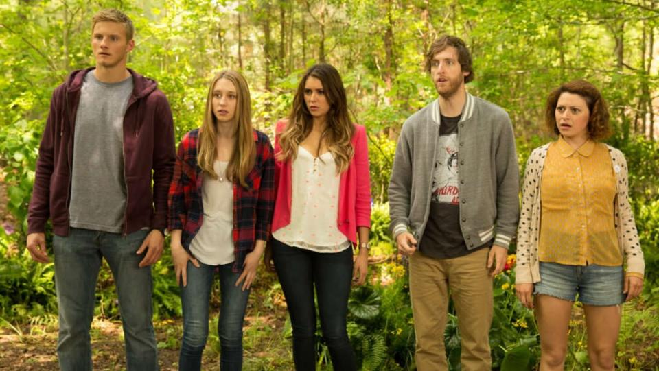 photo of five main characters with bright colored clothing in The Final Girls movie