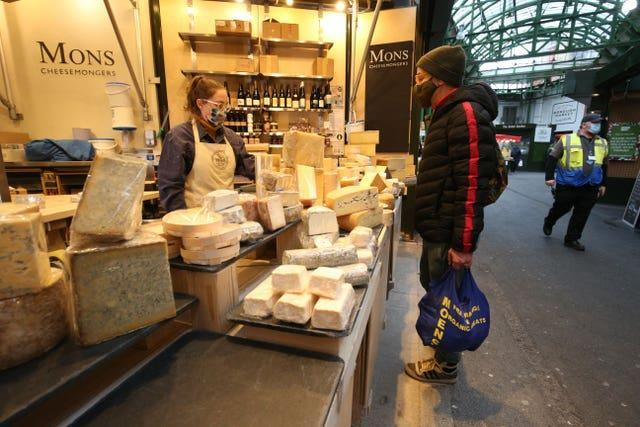 Borough Market continues with face masks