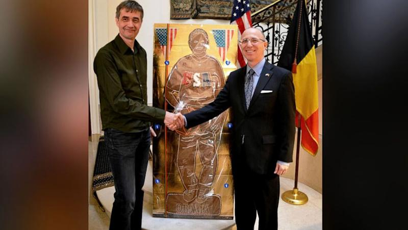 Belgium Gifts Obama Life-Size Gingerbread Man of Himself