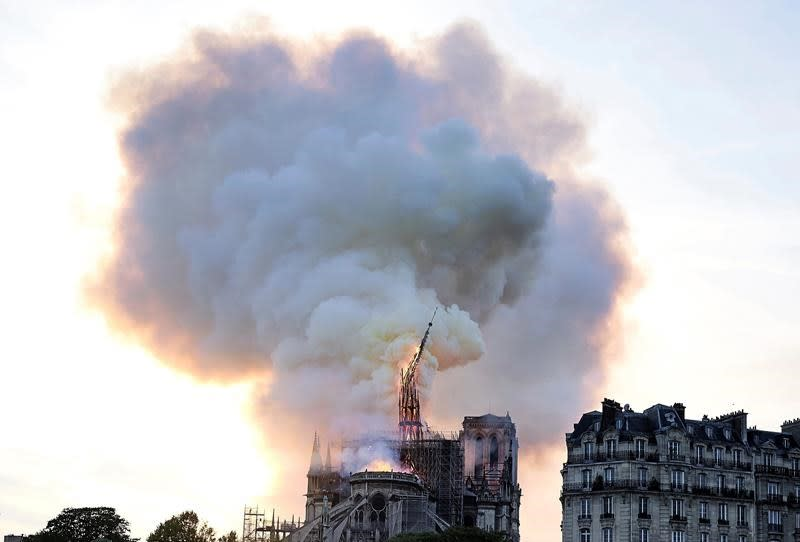 Toronto archbishop laments fire ravaging Notre Dame Cathedral in Paris