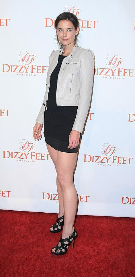 """Katie Holmes showed a whole lot of leg upon arriving at the Dizzy Feet Foundation's Inaugural Celebration of Dance at the Kodak Theatre in Hollywood. Alexandra Wyman/<a href=""""http://www.wireimage.com"""" target=""""new"""">WireImage.com</a> - November 29, 2009"""