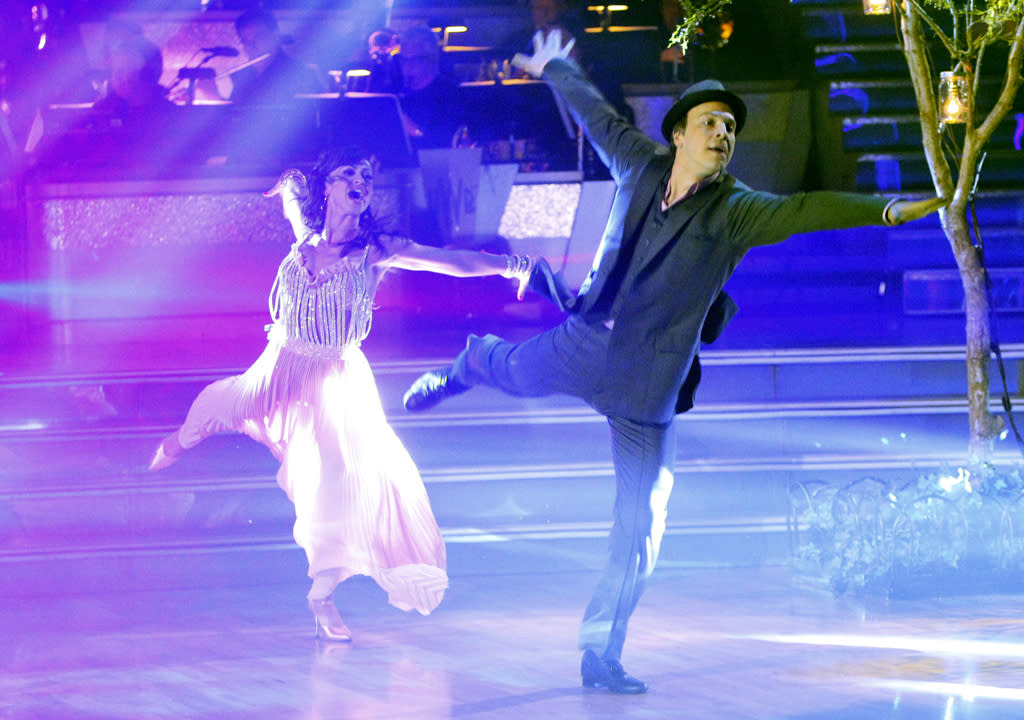 """Karina Smirnoff and Gavin DeGraw perform on """"Dancing With the Stars."""""""