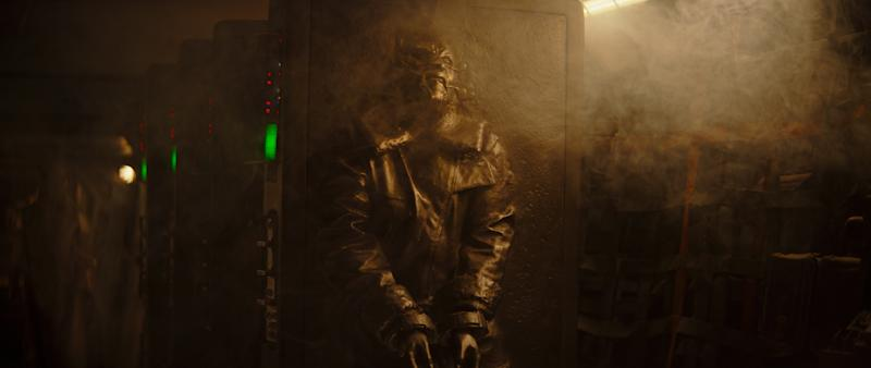 Pascal's Mandalorian stores his bounty with the help of carbon freezing (Photo: Lucasfilm Ltd.)
