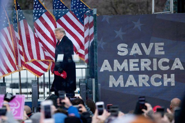 Former President Donald Trump attempted to overturn his 2020 election loss through quasi-legal means — and then by directing his supporters to storm the U.S. Capitol on Jan. 6. (Photo: BRENDAN SMIALOWSKI via Getty Images)