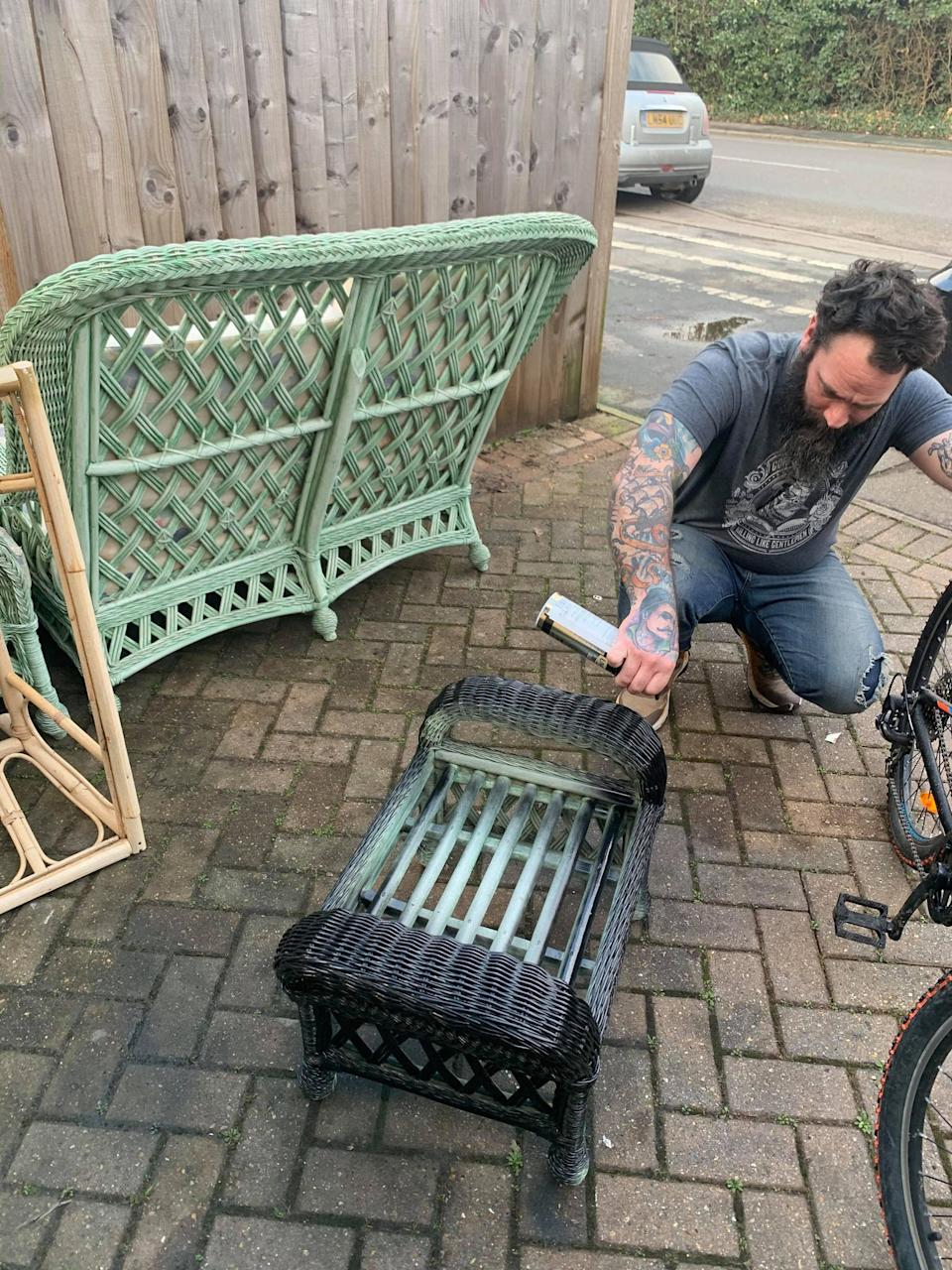 The couple sprayed a wicker set they picked up on Facebook Marketplace. (Supplied Latestdeals.co.uk)