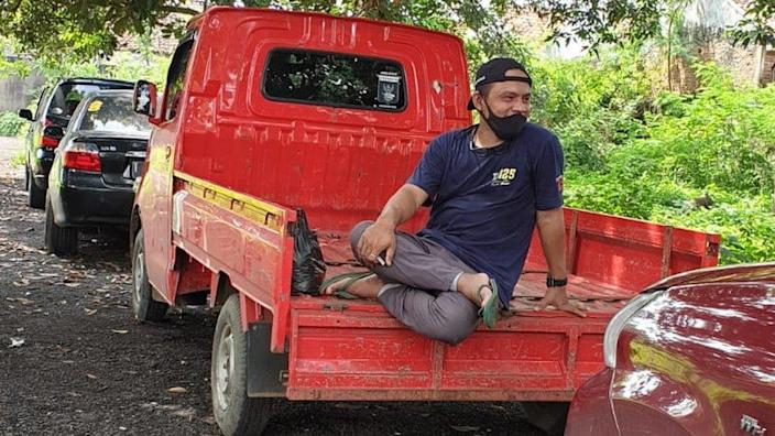 Djoky with his truck