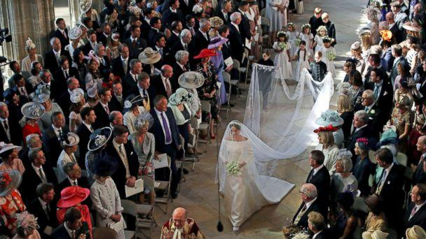 PHOTO: Meghan Markle walks down the aisle as she arrives for the wedding ceremony to Prince Harry at St. George's Chapel in Windsor Castle in Windsor, May 19, 2018. (Danny Lawson/AP)