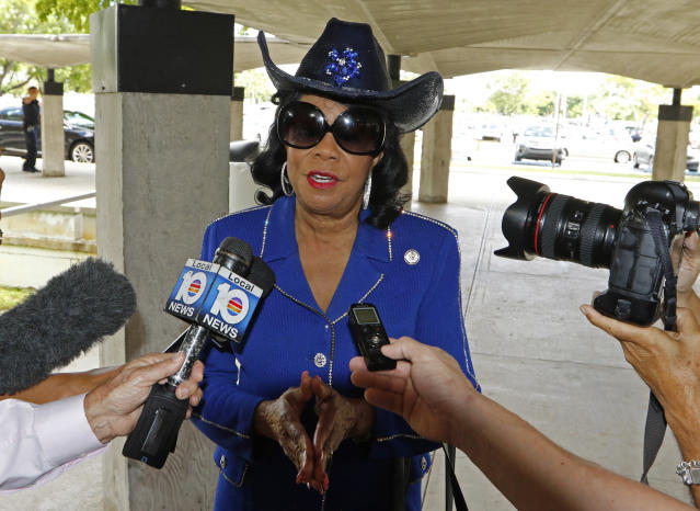 Rep. Frederica Wilson, D-Fla., speaks on Oct. 19 in Miami about the death of Sgt. La David Johnson in Niger. (Photo: Joe Skipper/Getty Images)