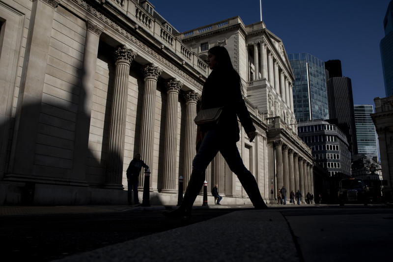 LONDON, ENGLAND - MARCH 12: Members of the public walk past The Bank of England on March 12, 2020 in London, England. The FTSE 100 Index fell 5054 per cent when trading opened in London this morning. It is at the lowest since 2012 and is, in part, a response to Donald Trump's ban on people traveling to the United States from the European Union which he announced overnight. (Photo by Dan Kitwood/Getty Images)