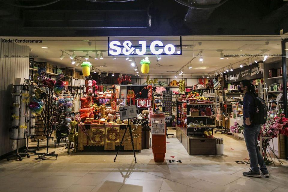 Gift store S&J Co. is seen operating in the near-empty Mid Valley Megamall in Kuala Lumpur January 14, 2020. — Picture by Hari Anggara