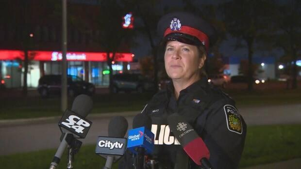 Peel police Const. Heather Cannon gave a media briefing at the site of the possible kidnapping saying the suspect and victims were located in good health. (Mark Bochsler/CBC - image credit)
