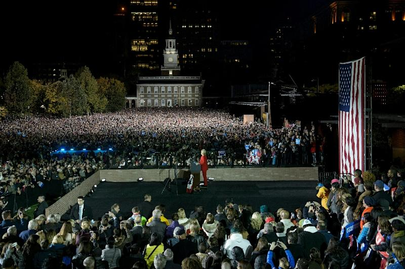 Democratic presidential nominee Hillary Clinton gives a speech during a rally at Independence Mall in Philadelphia, Pennsylvania (AFP Photo/Brendan Smialowski)