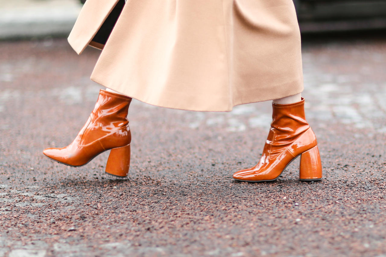...apair of shoes that give off major '70s vibes.