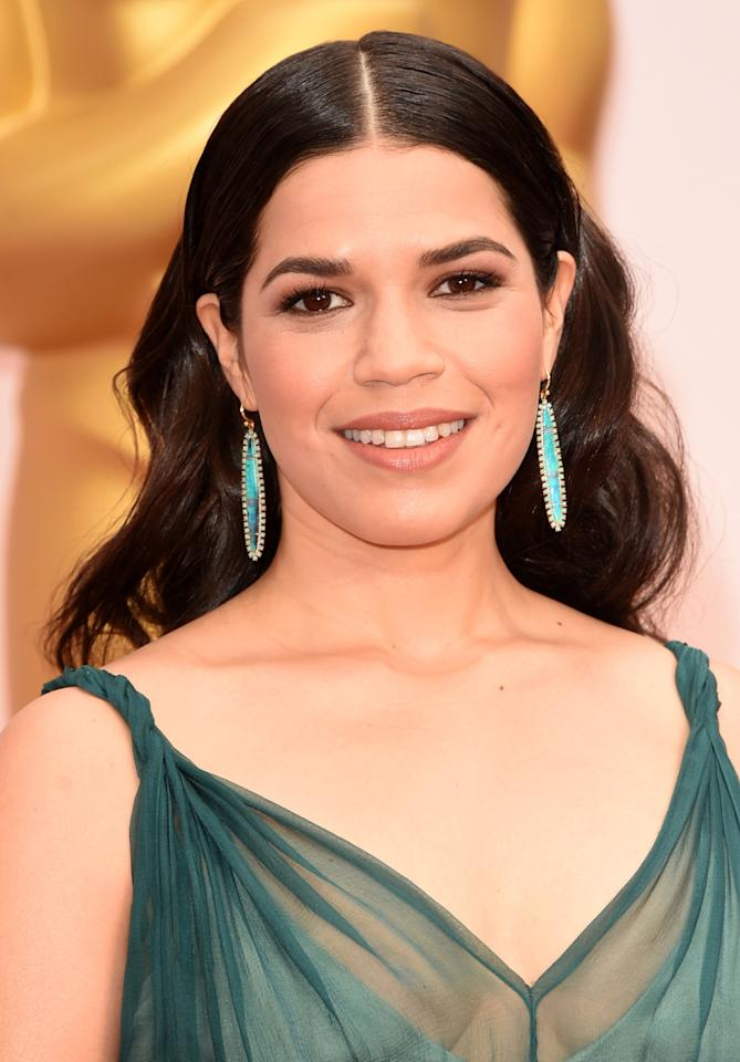 <p>The actress offset her seafoam green Jenny Packham gown with gorgeous one-of-a-kind 18-karat white and yellow gold Irene Neuwirth earrings with turquoiseopals and pavé diamonds.</p>