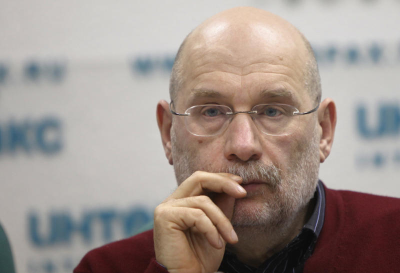 """Writer Boris Akunin, a member of League of Voters Group speaks at a news conference in Moscow on Wednesday, March 7, 2012. Boris Akunin, one of the protest rallies' organizers, told reporters Wednesday that the """"romantic phase of the protests is over"""" and he """"would not be surprised"""" if the Saturday event attracted a smaller crowd. (AP Photo/Alexander Zemlianichenko)"""
