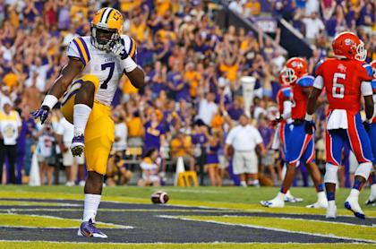 LSU's Leonard Fournette strikes the Heisman pose after his first career TD against Sam Houston State. (AP)