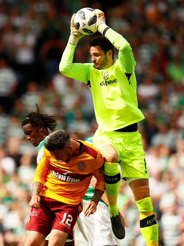 Soccer Football - Scottish Cup Final - Celtic vs Motherwell - Hampden Park, Glasgow, Britain - May 19, 2018 Celtic's Craig Gordon in action with Motherwell's Ryan Bowman Action Images via Reuters/Jason Cairnduff