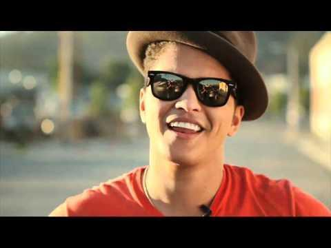 "<p><strong><em>Count on me </em>di Bruno Mars è la canzone perfetta da cui estrapolare dolcissime frasi da inviare agli amici</strong> o da utilizzare per personalizzare i tuoi bigliettini di San Valentino. Il significato della canzone è molto semplice: un amico è la persona che ti aiuterà in ogni difficoltà, diventando la tua luce nell'oscurità od offrendoti una spalla su cui piangere. </p><p><em>If you ever find yourself stuck in the middle of the see,</em> </p><p><em>I'll sail the world to find you.</em> </p><p><em>If you ever find yourself lost in the dark and you can't see,</em> </p><p><em>I'll be the light to guide you.</em></p><p><em>You can count on me like one two three</em></p><p><em>I'll be there</em></p><p><em>And I know when I need it I</em><em> can count on you like four three two</em></p><p><em>You'll be there</em></p><p><em>'Cause that's what friends are supposed to do</em></p><p><a href=""https://www.youtube.com/watch?v=ZMsvwwp6S7Q"" rel=""nofollow noopener"" target=""_blank"" data-ylk=""slk:See the original post on Youtube"" class=""link rapid-noclick-resp"">See the original post on Youtube</a></p>"