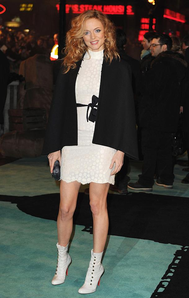 """<a href=""""http://movies.yahoo.com/movie/contributor/1800018677"""">Heather Graham</a> at the London premiere of <a href=""""http://movies.yahoo.com/movie/1810045845/info"""">Sherlock Holmes</a> - 12/14/2009"""