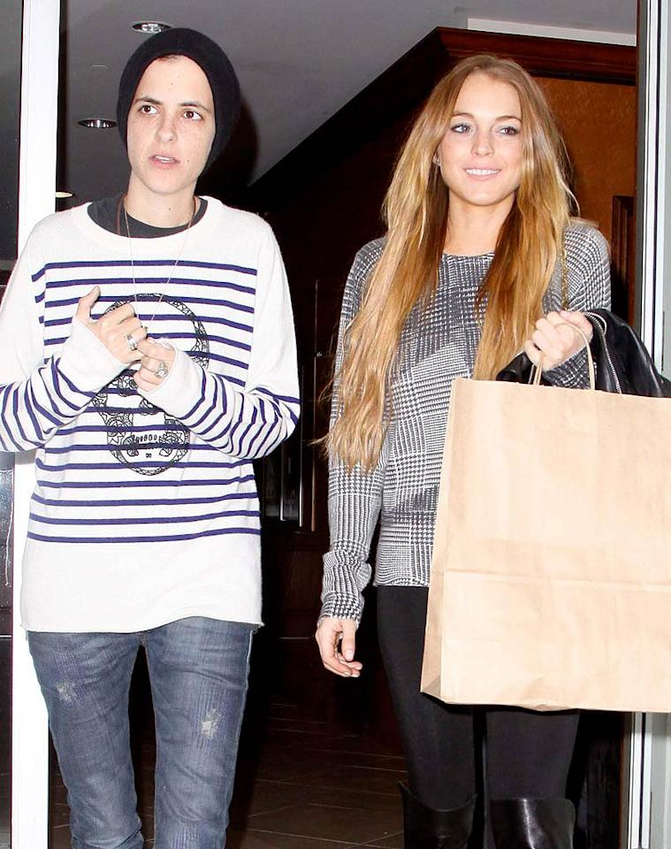 "Despite reports that Lindsay Lohan moved out of Samantha Ronson's house following a bitter fight, the two were spotted together on Tuesday night . Because Lindsay failed to register her new address, she nearly violated the terms of her DUI probation. Lindsay's lawyer quickly updated her court records on Thursday. APG-Akm-Castro/<a href=""http://www.x17online.com"" target=""new"">X17 Online</a> - January 14, 2009"