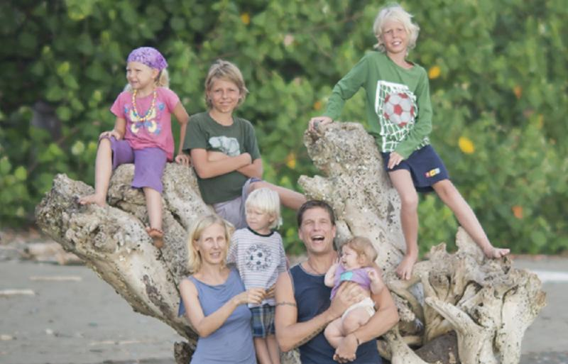 How this family makes six figures while traveling the world