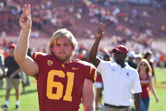 "Blind USC long snapper <a class=""link rapid-noclick-resp"" href=""/ncaaf/players/263115/"" data-ylk=""slk:Jake Olson"">Jake Olson</a> excelled at golf in high school. (Getty Images)"