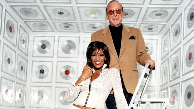 Jennifer Hudson serenades legendary music producer Clive Davis