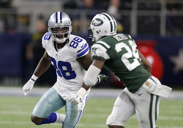 Dez Bryant and Darrelle Revis locked horns in 2015, and Bryant's tweet suggests he wants them to be teammates in 2017. (AP)