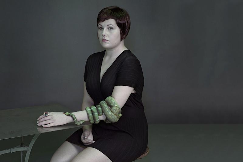 alternative-limb-project-snake-arm-jo-jo-cranfield-nadav-kander