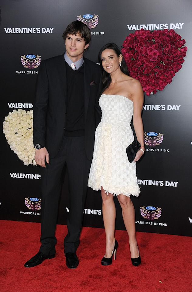 "<a href=""http://movies.yahoo.com/movie/contributor/1800354733"">Ashton Kutcher</a> and <a href=""http://movies.yahoo.com/movie/contributor/1800012196"">Demi Moore</a> at the Los Angeles premiere of <a href=""http://movies.yahoo.com/movie/1810094501/info"">Valentine's Day</a> - 02/08/2010"