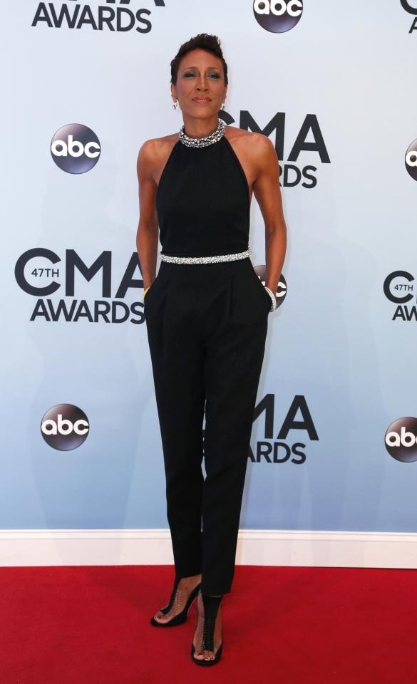 Robin Roberts poses on arrival at the 47th Country Music Association Awards in Nashville, Tennessee November 6, 2013. REUTERS/Eric Henderson (UNITED STATES - Tags: ENTERTAINMENT)