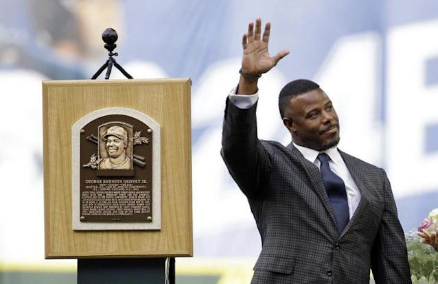 Hall of Famer Ken Griffey Jr. speaks to the crowd during a ceremony at Safeco Field in 2016. (AP)